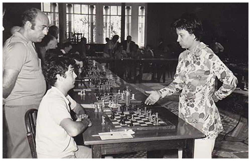 Simultànies a càrrec de la MI romanesa, Elisabeta Polihroniade